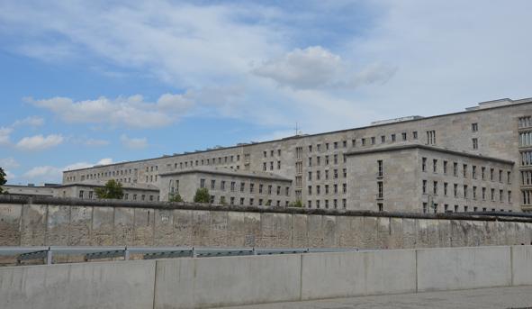Die Berliner Mauer und das Leben in der DDR - erhaltene Mauerreste