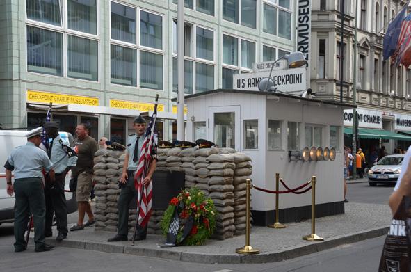 Auf den Spuren der Berliner Mauer - Check Point Charlie