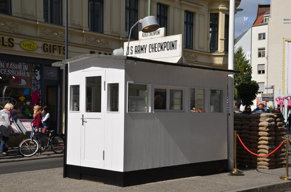 Die Berliner Mauer und das Leben in der DDR - Checkpoint Charlie